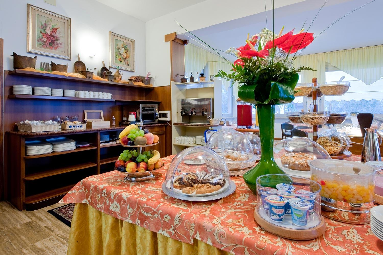 Villa Mimosa - B&B - Torbole sul Garda - colazione breakfast
