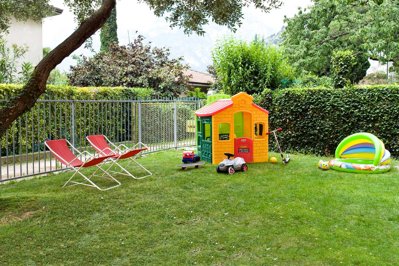 Villa Mimosa - B&B - Torbole sul Garda - giardino garden kids